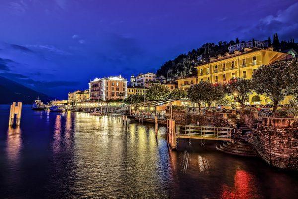 Bellagio-lake-lago-Como-night-panorama-Lombardia-Milan