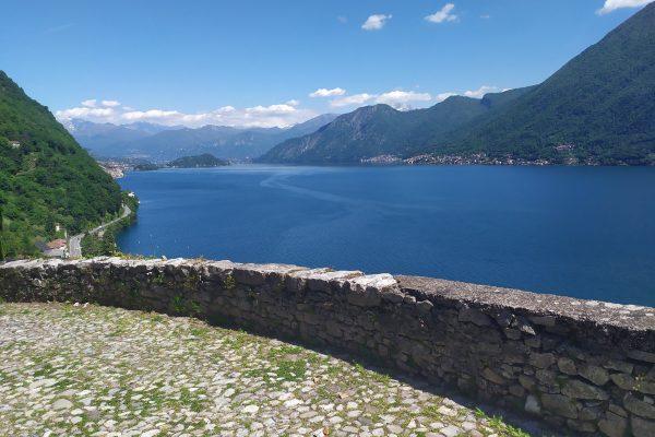 Foto del Lago di Como visto da Argegno