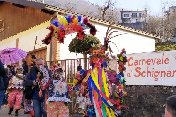 Carnevale di Schignano mascarun