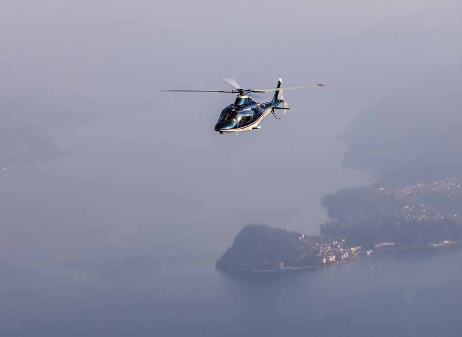 Scenic Flights -ALPS – Lake Como