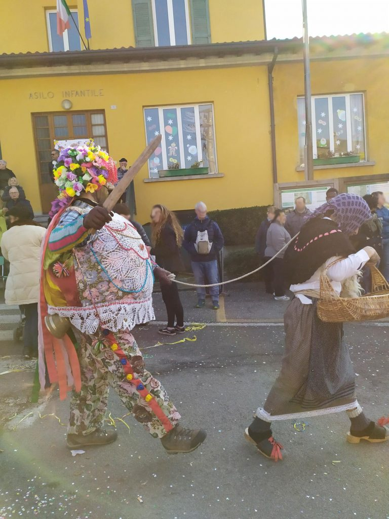 carnevale di Schignano mascarun e ciocia